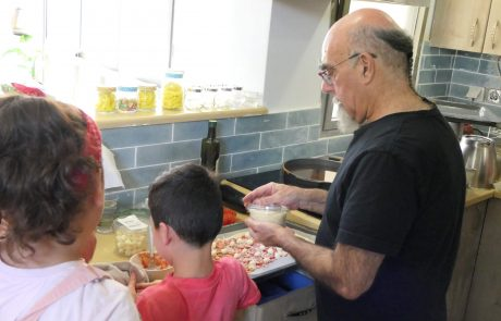 בחירות טעימות: 12 ילדים בסיכון בישלו ביום הבחירות עם השף אהרוני