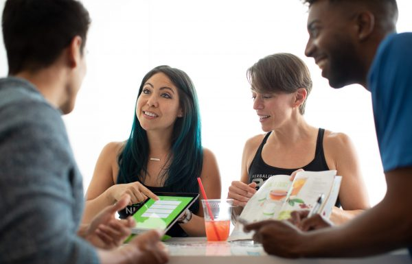 כיצד כדאי ליזמים למנף את עוצמתה של המדיה החברתית כדי להצליח בענק?