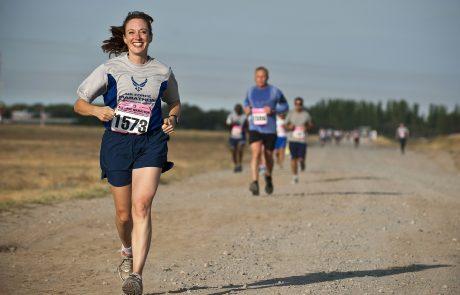 רצים בדממה: המרוץ שמשמיע את קולן של מלאכיות הדממה